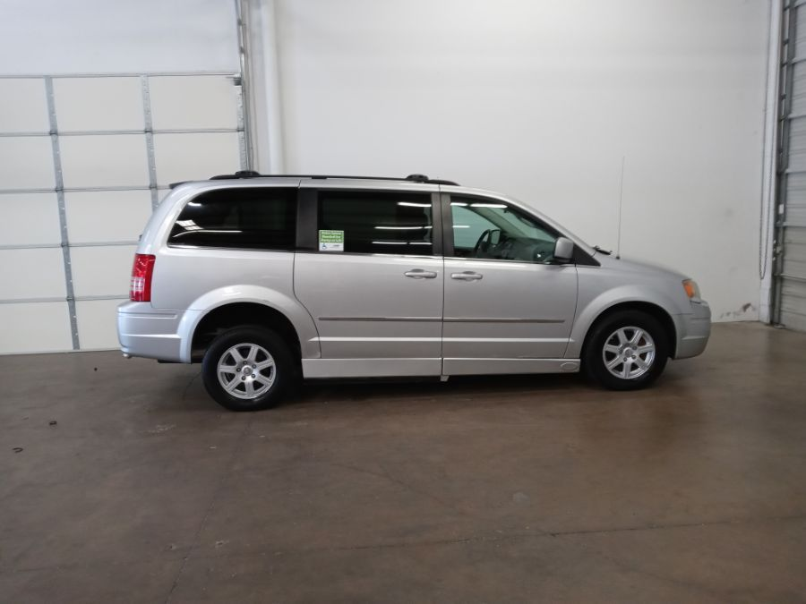 Silver Chrysler Town and Country image number 12