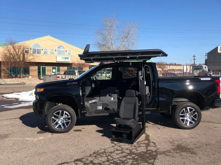 Black Chevrolet Silverado 1500 image number 19