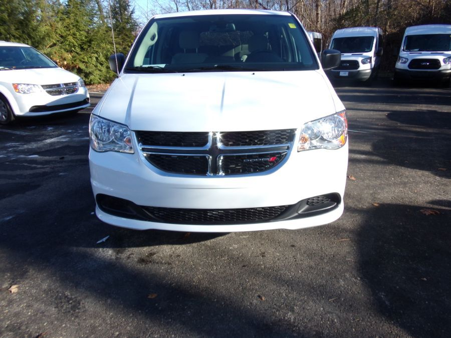 White Dodge Grand Caravan image number 4