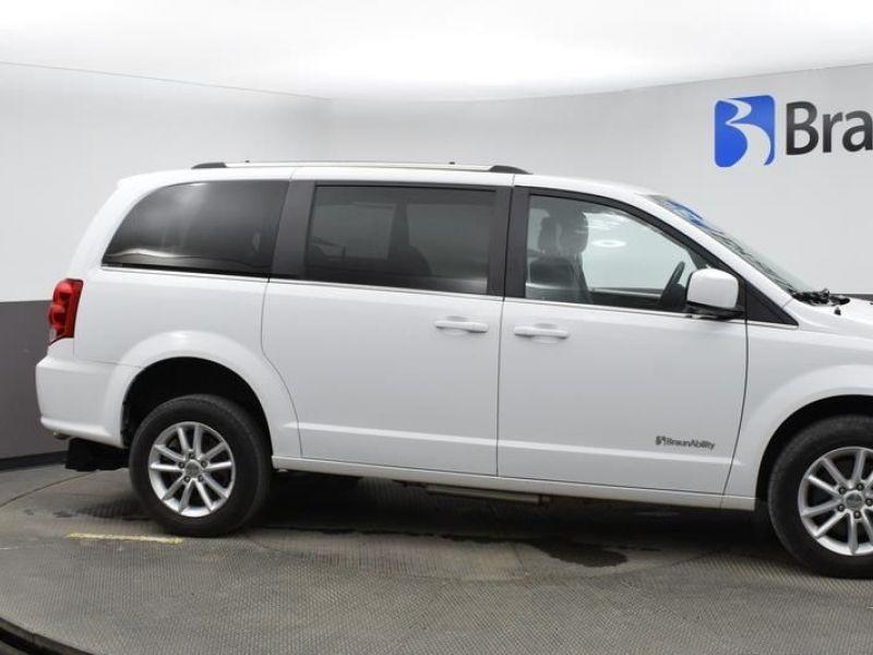 White Dodge Grand Caravan image number 2