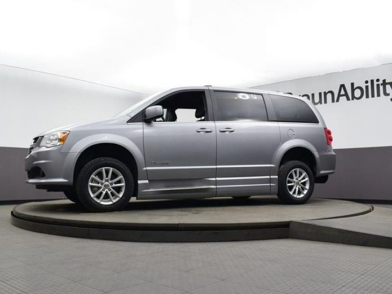 Silver Dodge Grand Caravan image number 16