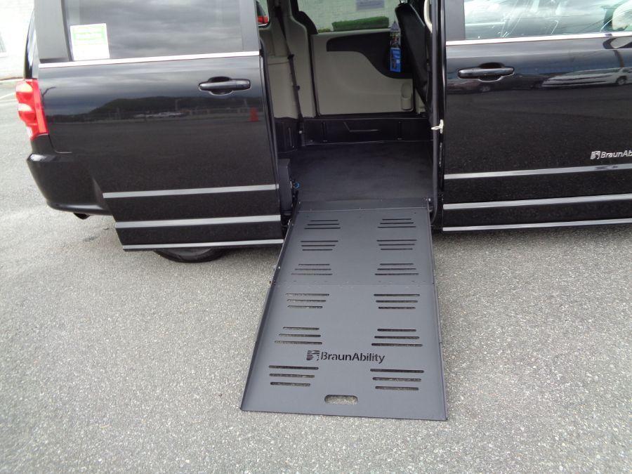 Black Dodge Grand Caravan image number 2