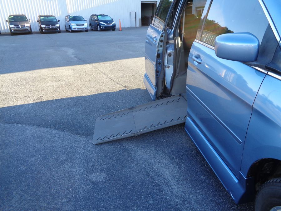 Blue Honda Odyssey with Side Entry Automatic Fold Out ramp