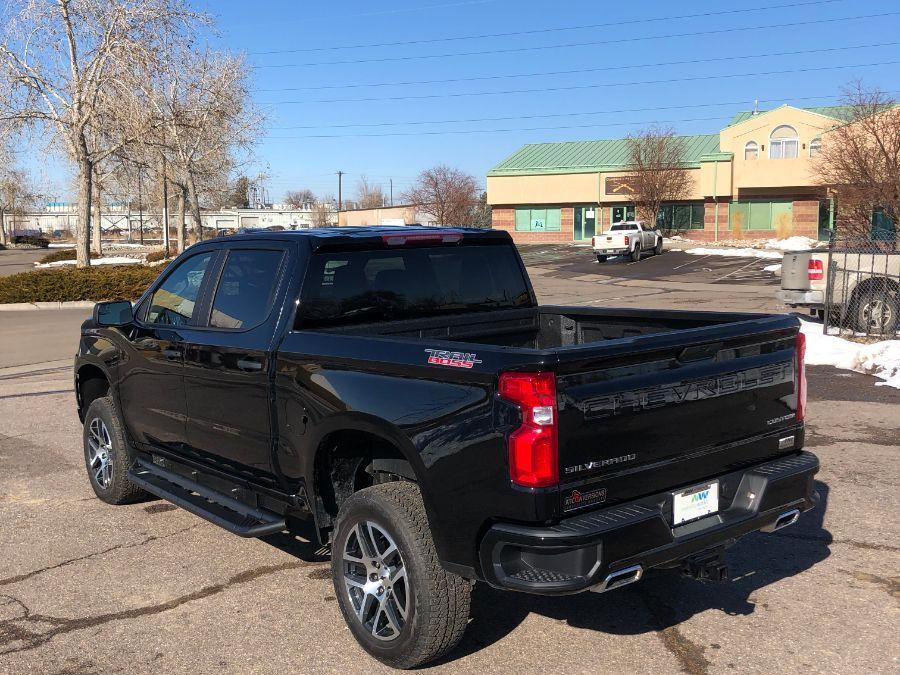 Black Chevrolet Silverado 1500 image number 4