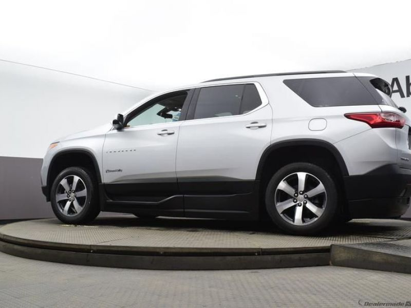 Silver Chevrolet Traverse image number 16