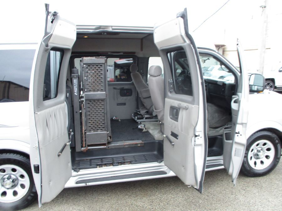 Silver Chevrolet Express Cargo image number 19