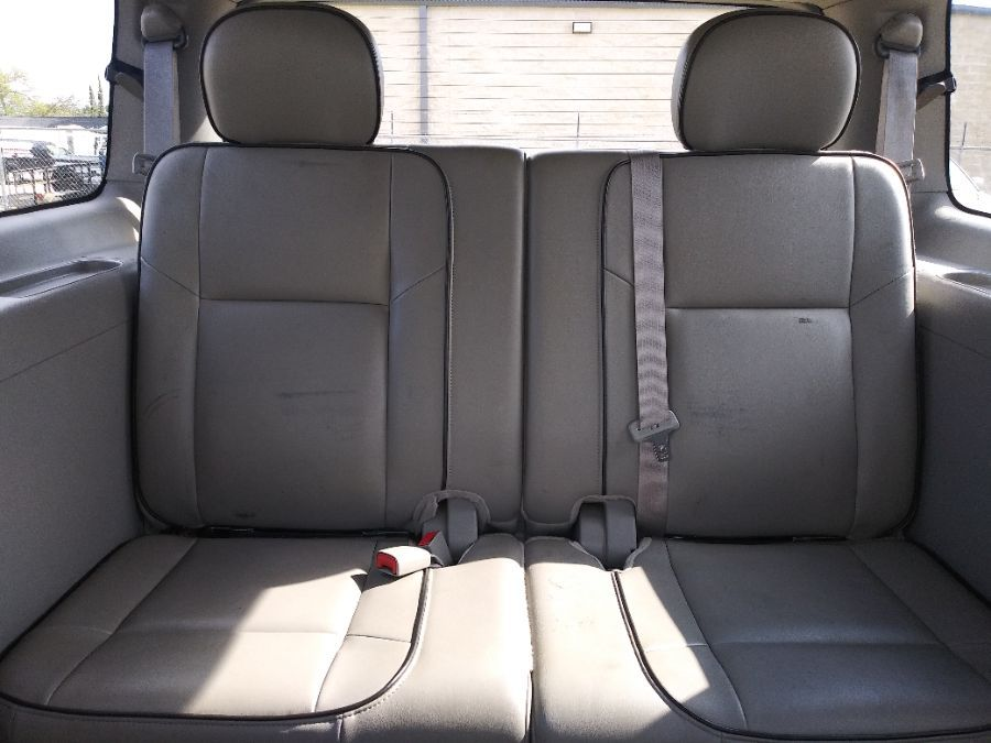 Silver Buick Terraza image number 17