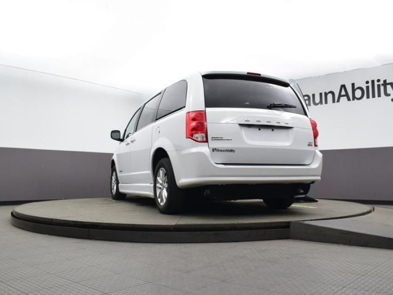 White Dodge Grand Caravan image number 18