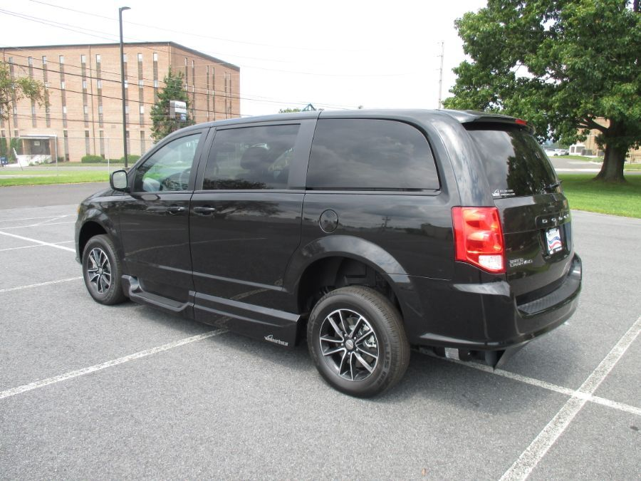 Black Dodge Grand Caravan image number 3