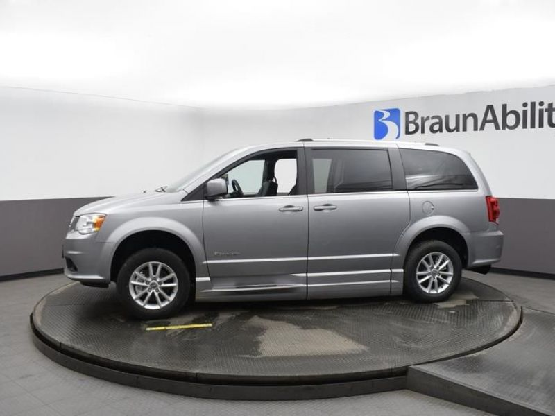 Silver Dodge Grand Caravan image number 4