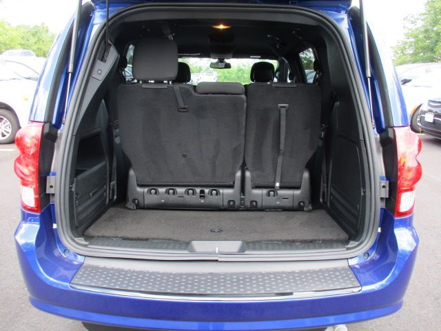 Blue Dodge Grand Caravan image number 20