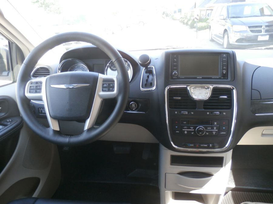 BROWN Chrysler Town and Country image number 24