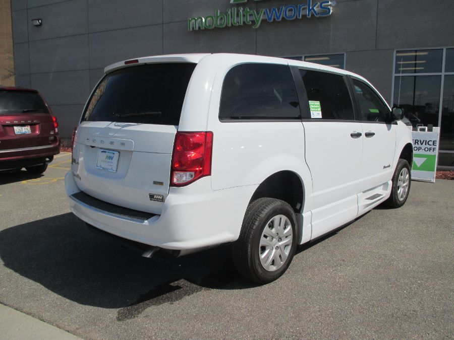 White Dodge Grand Caravan image number 7