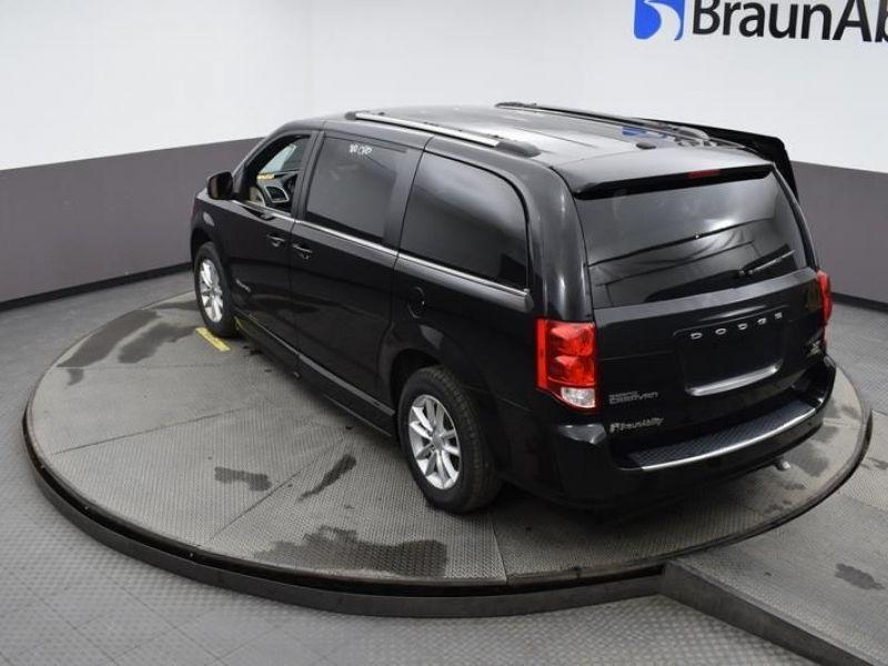 Black Dodge Grand Caravan image number 24