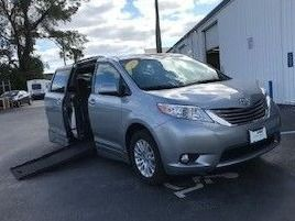 Toyota Sienna with Side Entry Automatic  ramp