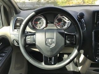 Silver Dodge Grand Caravan image number 9