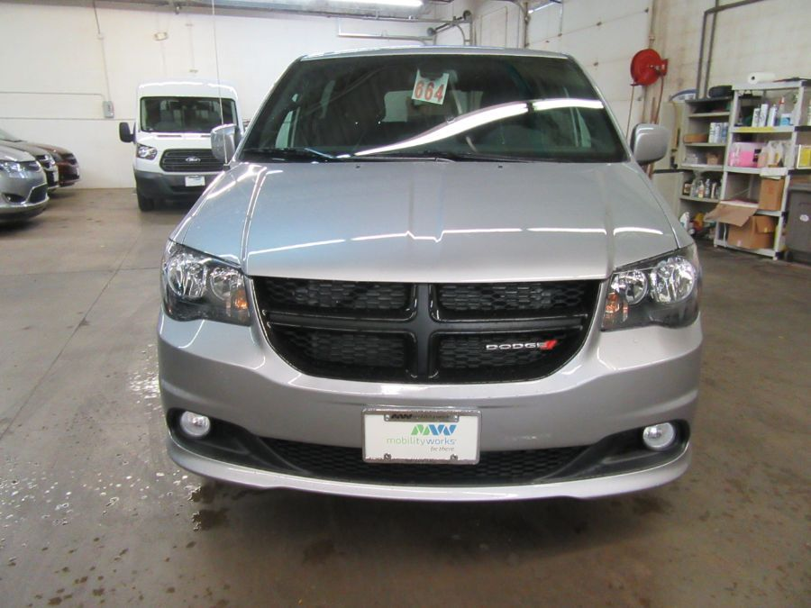 Silver Dodge Grand Caravan image number 6