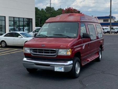 Ford E-150 image number 8