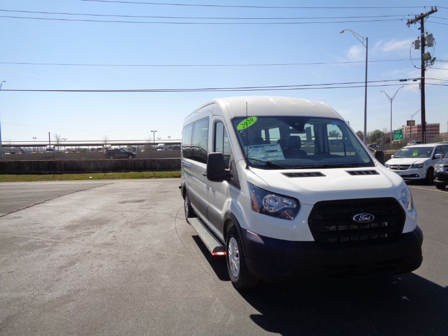 White Ford T350 image number 8