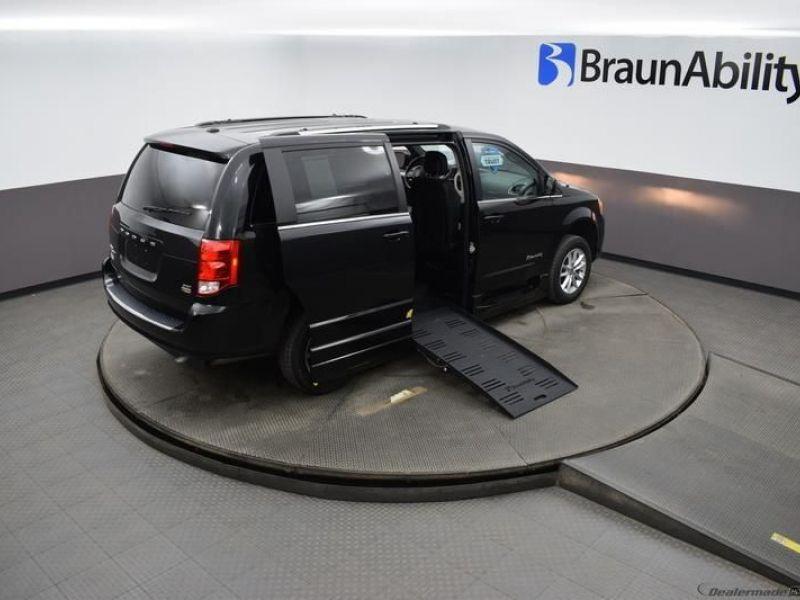 Black Dodge Grand Caravan image number 22