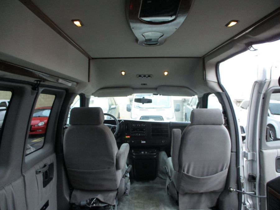 Silver Chevrolet Express Cargo image number 11