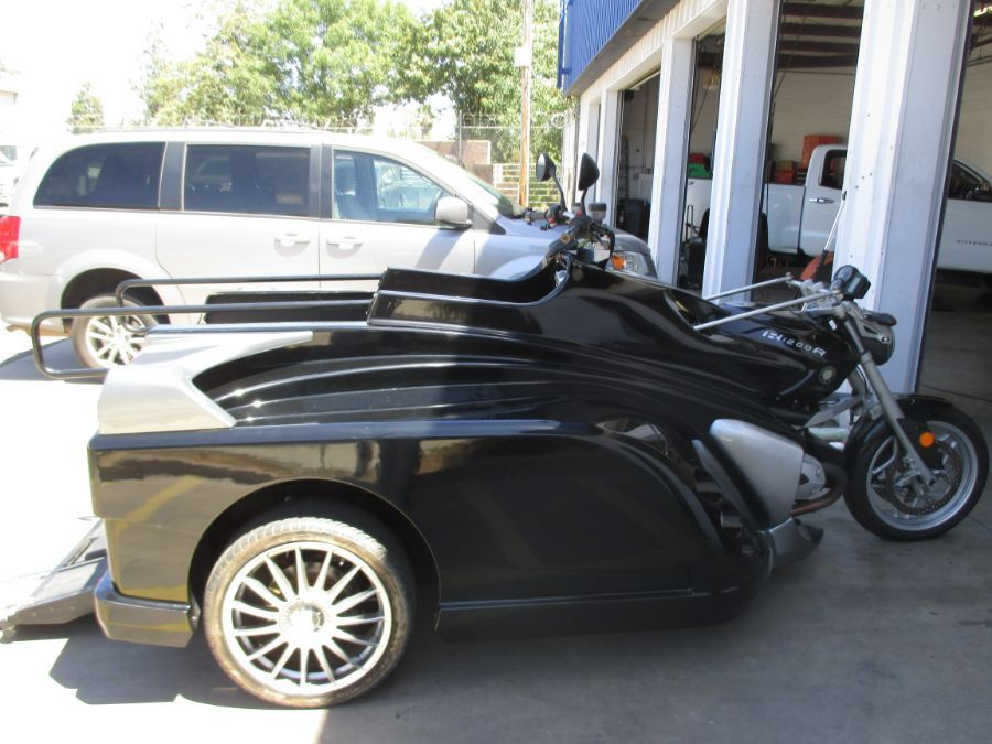 BLACK BMW Martin Conquest image number 3