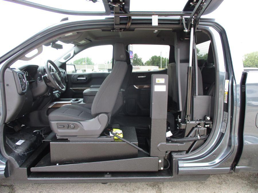 Gray Chevrolet Silverado 1500 image number 2