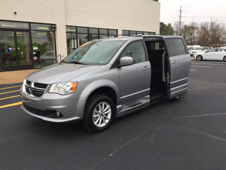 Silver Dodge Grand Caravan image number 26