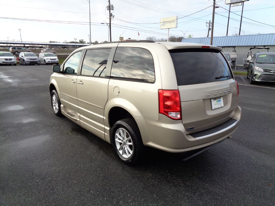 Gold Dodge Grand Caravan image number 4