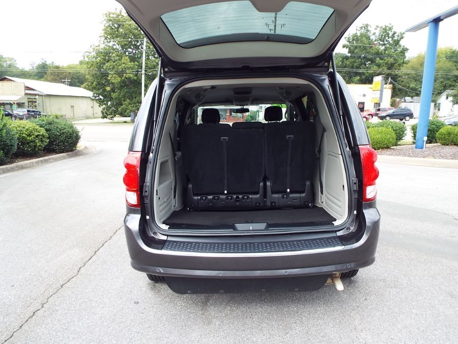 Gray Dodge Grand Caravan image number 24