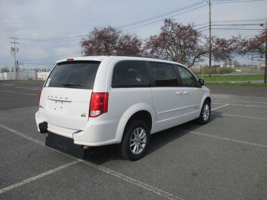WHITE Dodge Grand Caravan image number 11