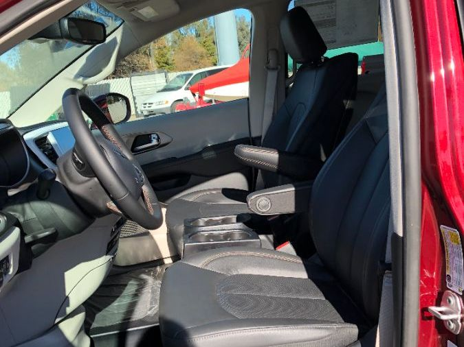 Red Chrysler Pacifica image number 11