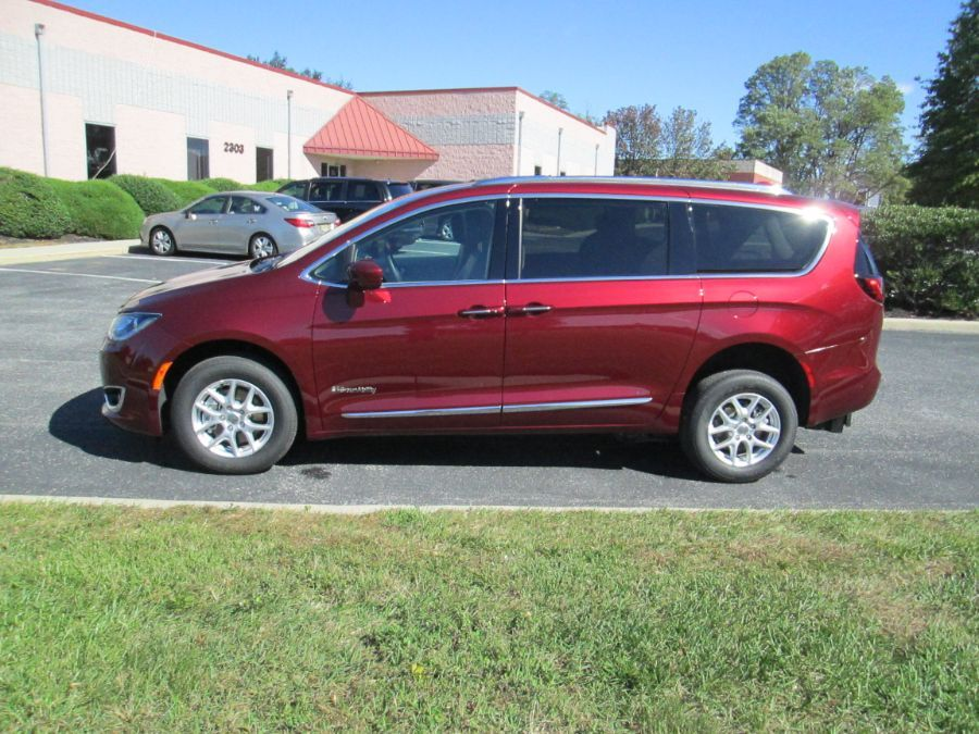 Red Chrysler Pacifica image number 5