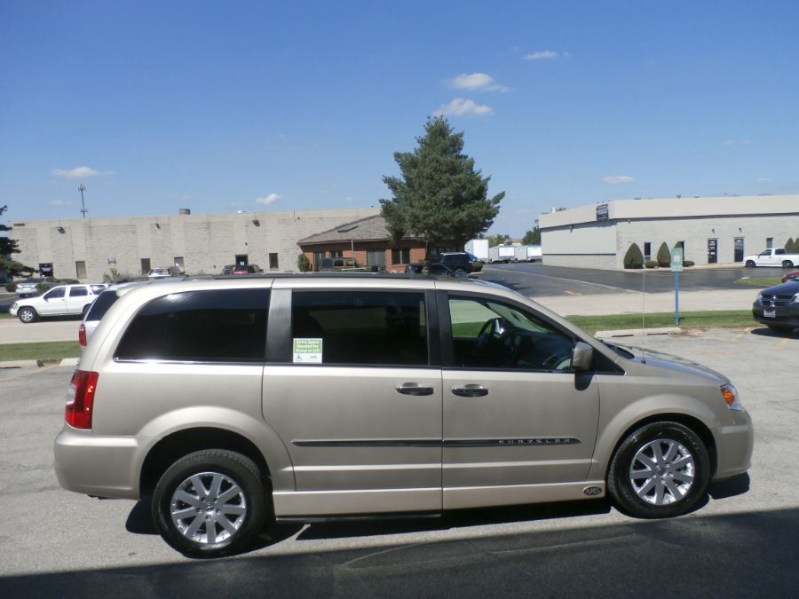 Brown Chrysler Town and Country image number 8