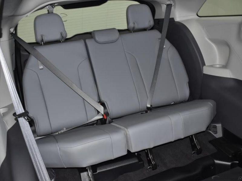 Black Toyota Sienna image number 8