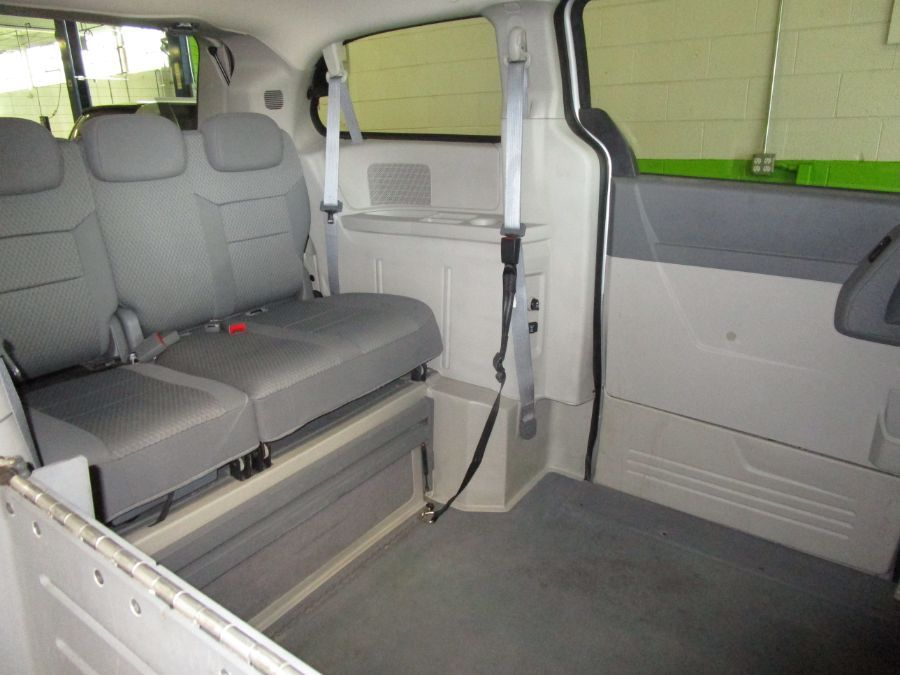 Silver Chrysler Town and Country image number 11