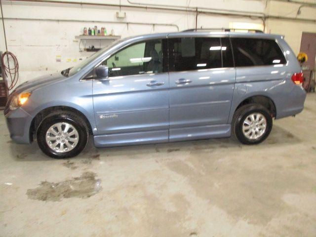 Blue Honda Odyssey image number 5