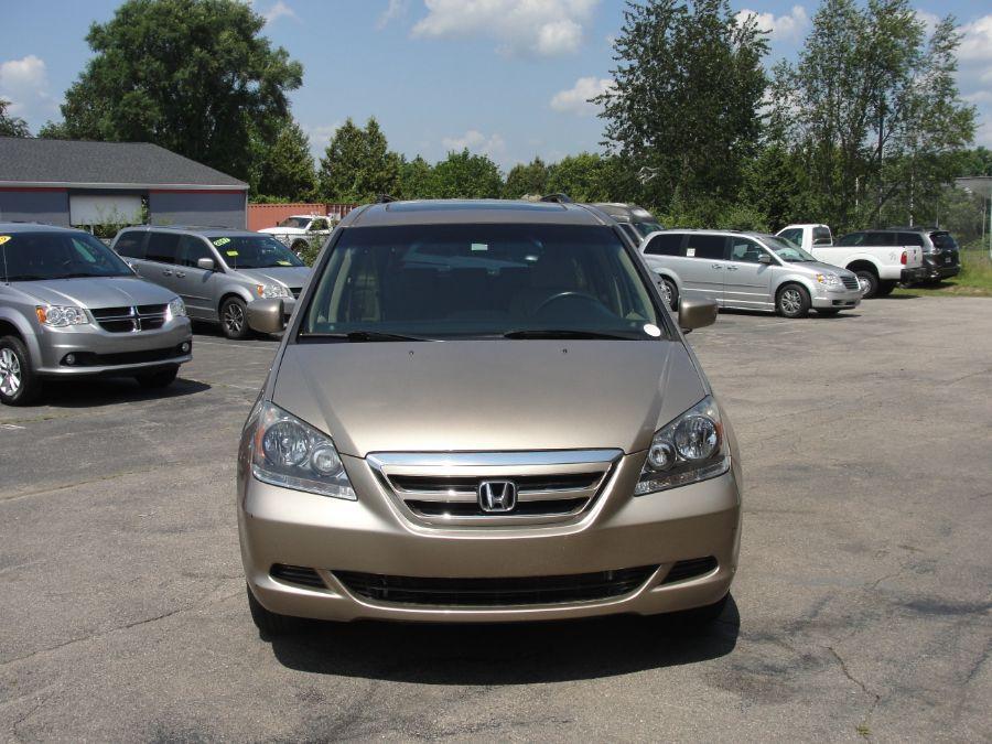 Gold Honda Odyssey image number 2