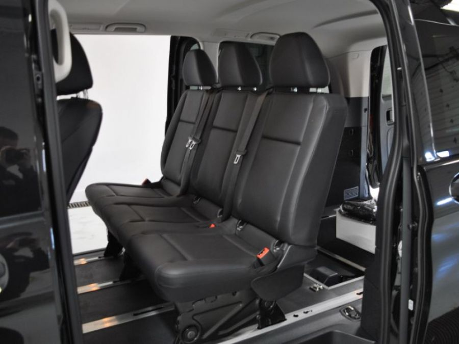BLACK Mercedes-Benz Metris image number 15