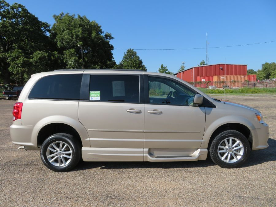 Brown Dodge Grand Caravan image number 12