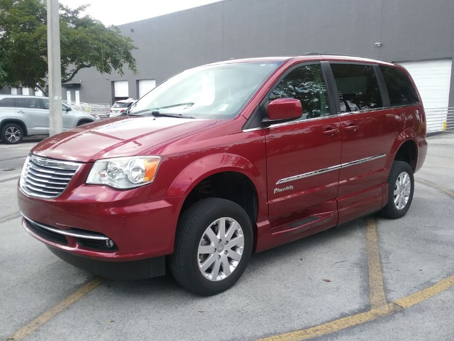 Red Chrysler Town and Country image number 2