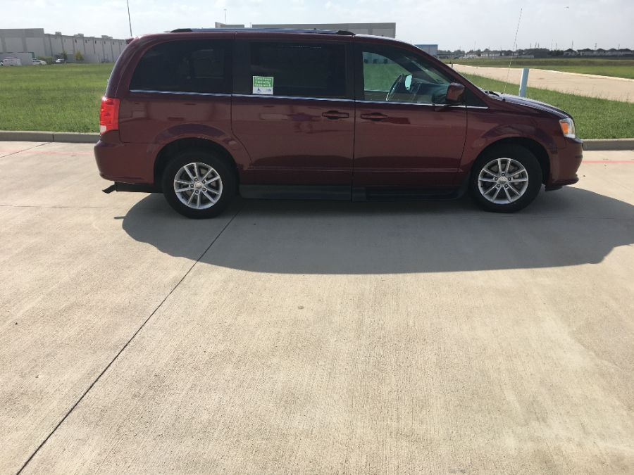 Red Dodge Grand Caravan image number 8