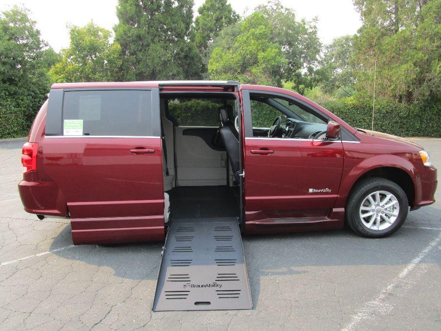 Red Dodge Grand Caravan image number 7