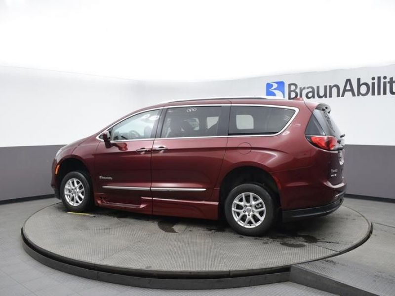 Red Chrysler Pacifica image number 4