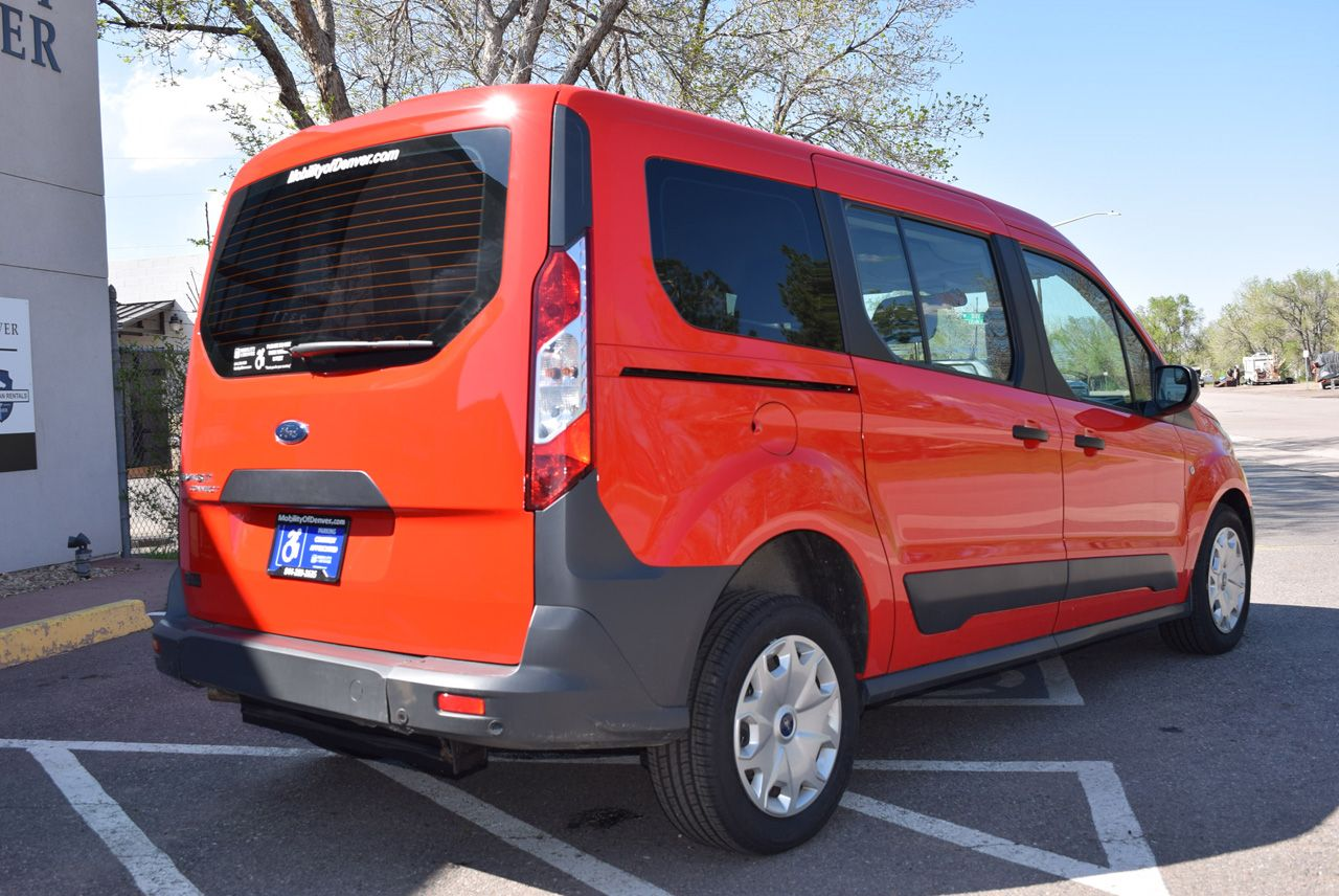 Pre-Owned 2017 Ford Transit Connect Wagon XL