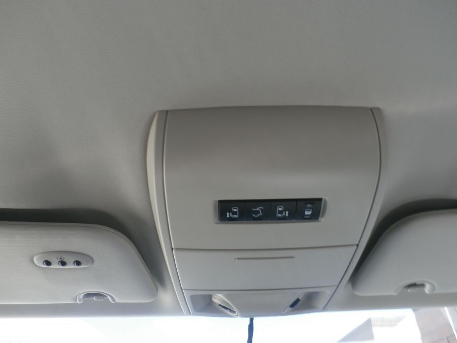 Brown Chrysler Town and Country image number 13