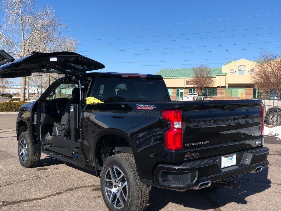 Black Chevrolet Silverado 1500 image number 16