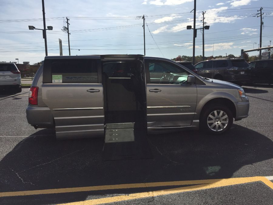 Silver Chrysler Town and Country image number 8