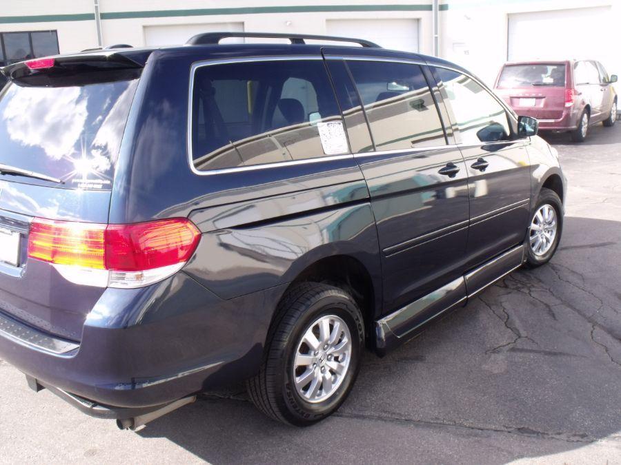 Blue Honda Odyssey image number 6
