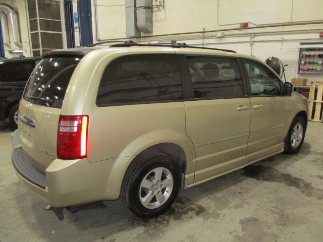 Gold Dodge Grand Caravan image number 5